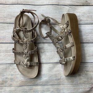 DONALD J. PLINER | snakeskin gladiator sandals 7.5